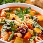 Minestrone Çorbası Tarifi (İtalyan Sebze Çorbası)