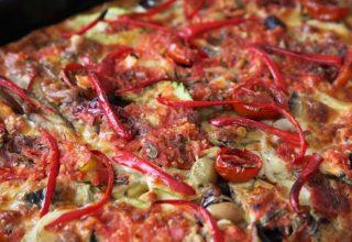 Hamursuz Sebzeli Pizza